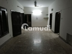 Upper Portion Sized 2250  Square Feet Is Available For Rent In Peshawar Road