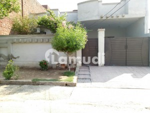 House Of 10 Marla In Samundari Road Is Available