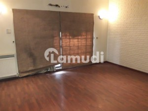 1 Kanal Slightly Used House For At Prime Location In Reasonable Price