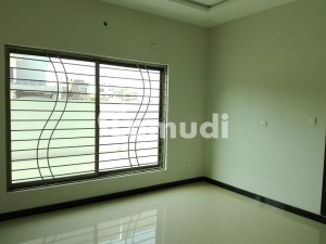 666 Square Yards Spacious House Available In F-7 For Sale