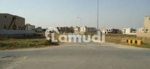 1 Kanal Plot Near By Block U 162 Available For Sale
