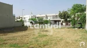 1 Kanal Plot Near By Block U 462 Available For Sale