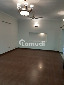 5 Bed 2 Kitchen House For Rent In Askari 11 Lahore