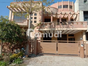 40x80 14 Marla House For Rent