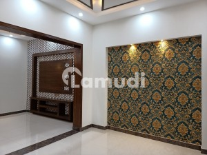 In Gulberg Upper Portion Sized 10 Marla For Rent