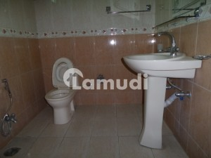 8 Marla Lower Portion Available For Rent In G-7