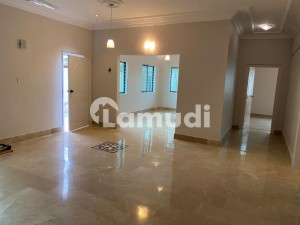 2200 Square Feet Flat Is Available In Clifton