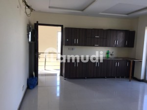 1 BED FLAT AVAIALABLE
