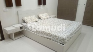 1 BED FURNISHED FLAT AVAIALABLE