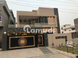 2250  Square Feet House Is Available In Canal View Housing Scheme