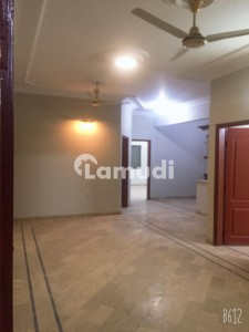 3 Bedroom Drawing Dining  300 Sq Yard Ground Portion Available For Rent In Clifton Block 5