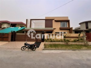 Kanal Luxury House For Sale Near A Family Park