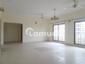 10 Marla Flat In Stunning Lalkurti Is Available For Rent