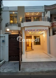 5 Marla House For Rent In Outstanding Location At Zakariay Town