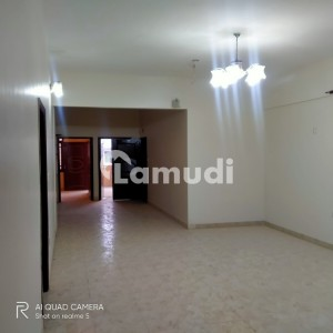 288 Sq Yards First Floor's 3 beds Drawing Dinning Portion