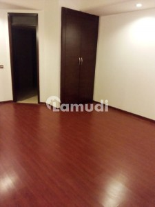 Three Bedroom Spacious Apartment 2100 Sq Ft Unfurnished For Sale In Silver Oaks Apartments F10 Islamabad
