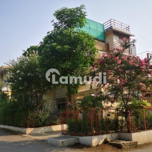 2 Sided Corner House With Proper Surfacing Available In Sector G61