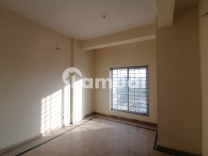 Flat Of 600 Square Feet In Bahria Town Rawalpindi For Sale
