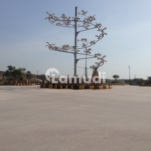 1000 Square Yard Plot For Sale On Hill Top Road