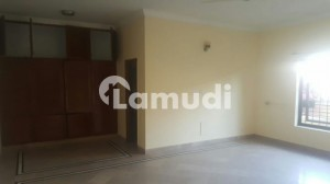 Near Faisal Masjid 15 Bed House For Rent