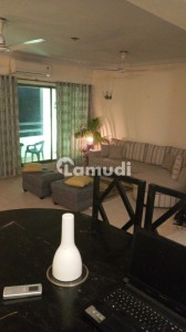 Semi Furnished Room In A Fully Furnished Apartment .