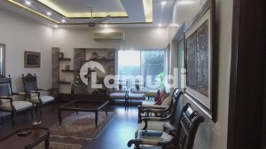 Sized 10 Marla In Gulberg House For Sale