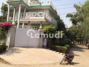 In Sheikh Colony House Sized 4500  Square Feet For Rent