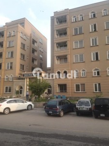 1300 Square Feet Flat Is Available For Rent