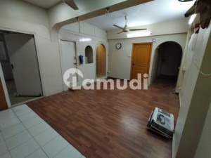 Well Maintained And Ready To Live Flat For Sale