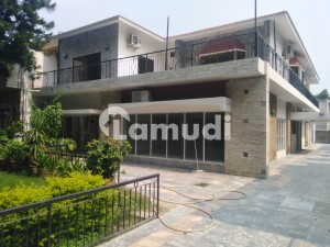 600 Sqyd Sami Furnished Ground Portion Is Available For  Rent Ideally Situated In G_6 Islamabad