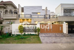 100 Percent Owner Build Solid Approach From Main Road 10 Marla House For Sale