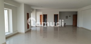 A Well Designed Office Is Up For Rent In An Ideal Location In Karachi