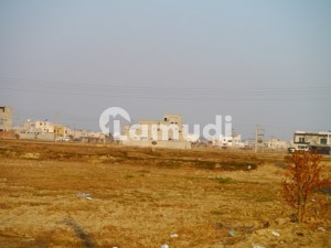 1 Kanal Plot For Sale In Good Location To Enable Price
