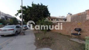 3200 Sq.ft Residential Corner Plot In Family-Friendly Community E-11/2 Islamabad