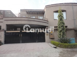 4 Bed House Available For Rent In Askari 14