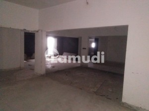 Clifton Block 4 E Street 250 Sq Yards Ground Plus 2 Building For Rent