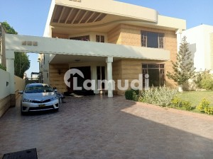 Chance Deal 1000 Sq Yards Owner Build Beautiful Well Maintained Bungalow In Prime Location Khybana Bukhri Streets Dha Phase 6 Karachi