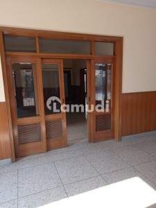 2 Kanal Upper Portion With Proper Entrance 2 Bed Dining Drawing Kitchen Store Double Side Tayras Cars Parking