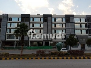 Bahria Town 395  Square Feet Shop For Rent
