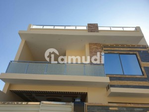 House Of 1800  Square Feet Available In Shah Zaman Road