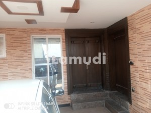 Rafi Block 8 Marla House Available For Rent
