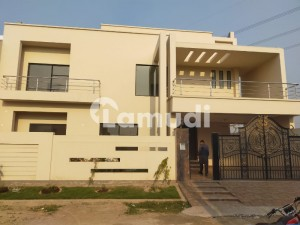 14.2 Marla Outclass House In One Of The Best Area Of Faisalabad