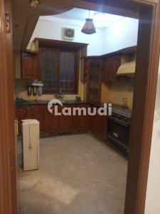 400 Sq Yd Ground Floor Portion For Rent