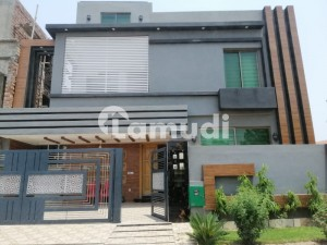 A Beautiful 10 Marla House For Rent In Overseas A Bahria Town Lahore
