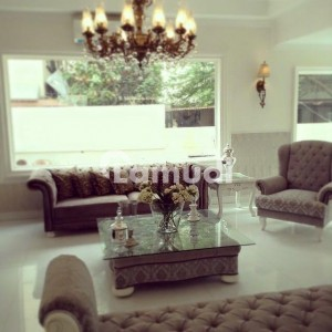 Full Furnished Designer Bungalow 1000 Yrd Dha Defense Phase 2