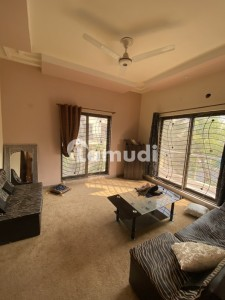 Neat N Clean 5 Beds House At Prime Location