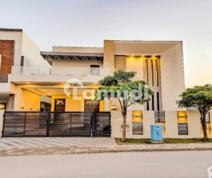 4500 Square Feet Exclusive Bungalow For Sale