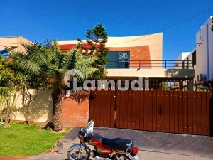MODERN DESIGN 1 KANAL BUNGALOW FOR SALE IN PHASE 4