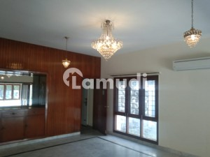 Huge Lawn House Is Available For Rent In G6 Islamabad