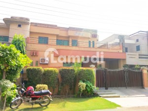 10 Marla Used Bungalow For Sale In Phase 4